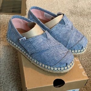 Toms chambray shoes